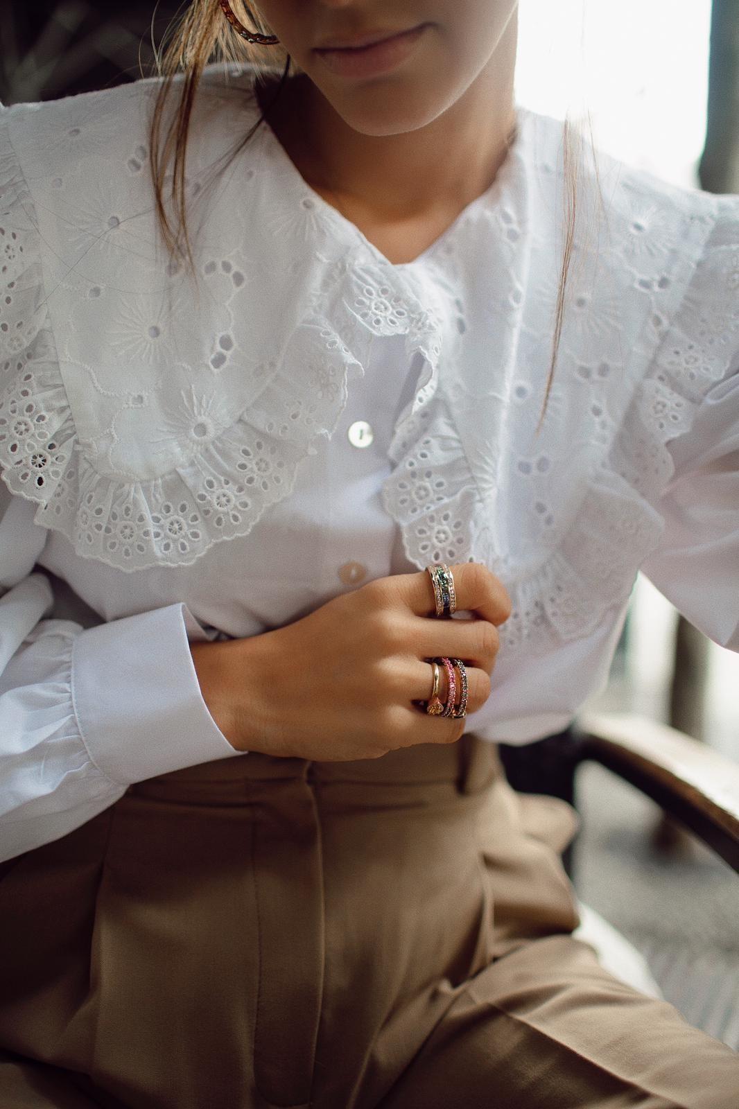 María Fernández Rubíes luciendo joyas RABAT