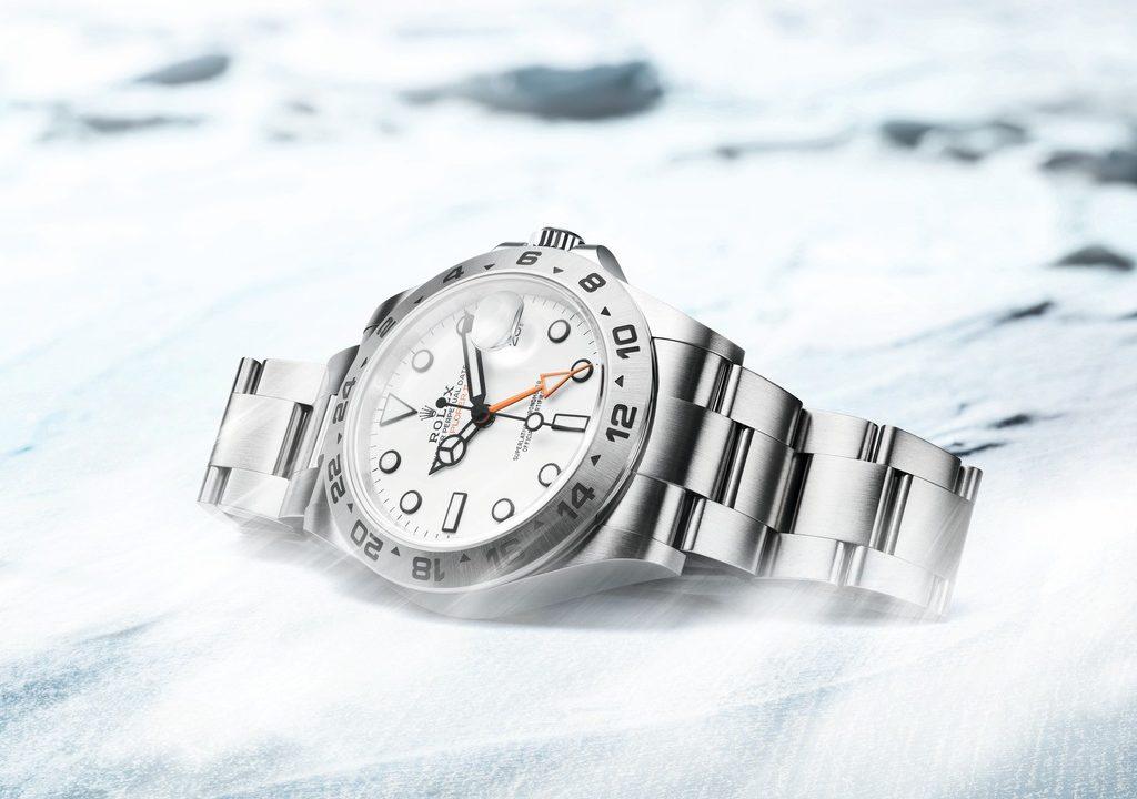 Rolex presenta el Oyster Perpetual Explorer II de nueva generación. Este reloj-herramienta de acero Oystersteel, ideado para los exploradores más intrépidos, luce de ahora en adelante una caja y un brazalete rediseñados.