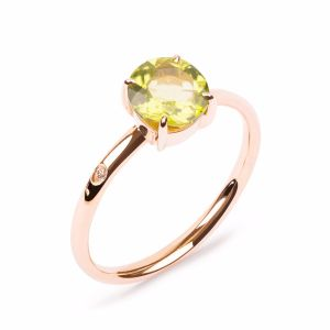 Rose gold ring with peridot
