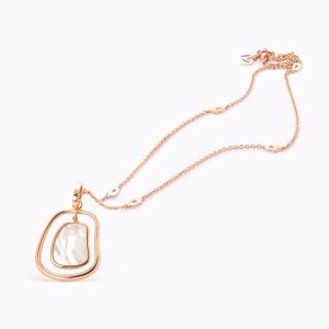 Nacre and gold pendant