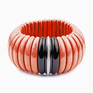 Coral bracelet with diamonds