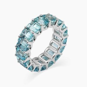 White gold ring with aquamarines