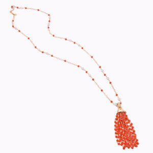 Collar de coral y diamantes