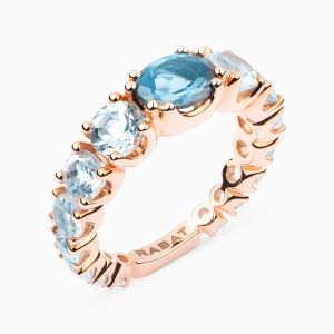 Rose gold ring with topaces